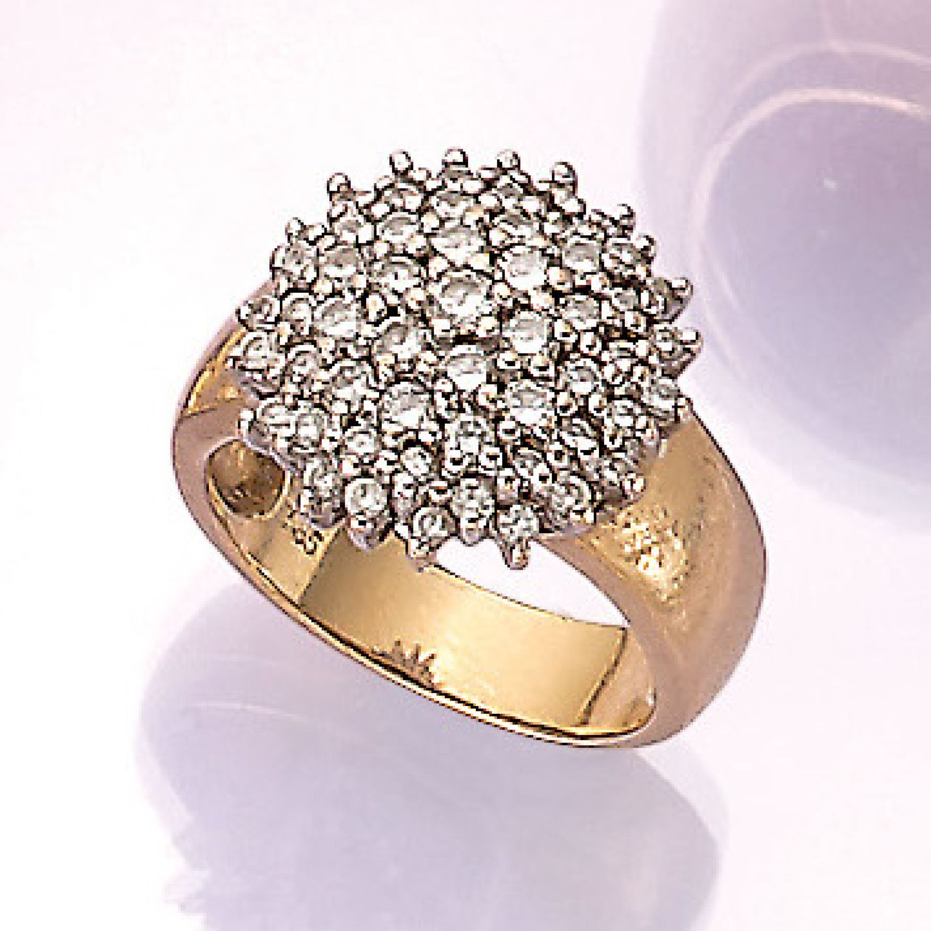 Los 31521 - 14 kt Gold Ring mit Brillanten, GG/WG 585/ 000, in WG gefasste Brillanten zus. ca. 1.00 ct Weiß/