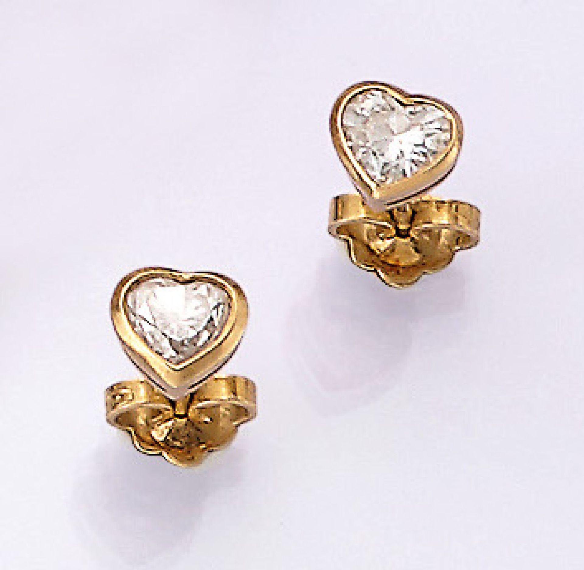 Los 31524 - Paar 18 kt Gold Ohrstecker mit Diamanten, GG 750/000, 2 Diamantherzen zus. ca. 1.10 ct Weiß/vs-