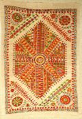 Susani (Großmedaillon Design), Buchara, Usbekistan, ca. 20-30 Jahre alt, Seide/Baumwolle, ca. 185