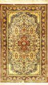 Seiden China-Esfahan fein, China, sehr fein, ca. 40 Jahre, reine Naturseide, ca. 220 x 133 cm,