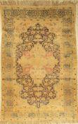 "Kaisery ""Flosh"" antik, Türkei, um 1890, Flosh, ca. 180 x 120 cm, EHZ: 5 Risse, LöcherKaisery ""Flosh"""