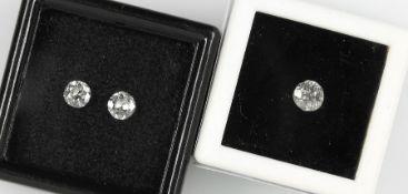Lot 3 lose Altschliffdiamanten, zus. ca. 0.7 ct l.get.Weiß/p 3 Schätzpreis: 660, - EURLot 3 loose