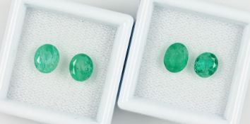 Lot 4 lose Smaragde, zus. ca. 4.4 ct, oval facett., versch. Größen Schätzpreis: 1500, - EURLot 4