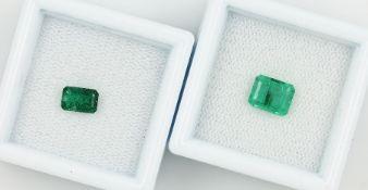 Lot 2 lose Smaragde, zus. ca. 1.82 ct, rechteckig facett., versch. Größen Schätzpreis: 450, - EURLot