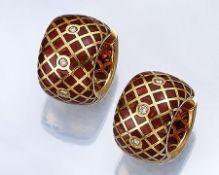 Paar 18 kt Gold Creolen mit Email und Brillanten, GG 750/000, Vorder- und Rückseite mit rotem