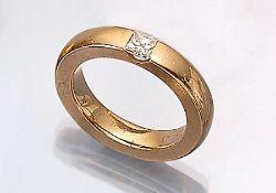 18 kt Gold Bandring mit Diamant, GG 750/000, Diamant im Princess-Cut ca. 0.50 ct Weiß/si, RW 55, ca.