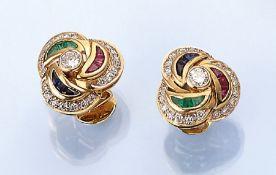 Paar 18 kt Gold Ohrstecker mit Farbsteinen undDiamanten, GG 750/000, 2 Brillanten und 42 8/8-