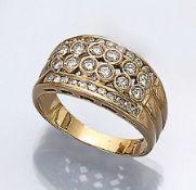 18 kt Gold Ring mit Brillanten, GG 750/000,Brillanten zus. ca. 1 ct Weiß/si-p1, z.T. erhaben bzw. im