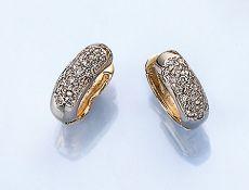 Paar 14 kt Gold Ohrcreolen mit Brillanten, GG/WG 585/000, Brillanten zus. ca. 0.60 ct Weiß/vs-si,