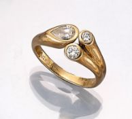 18 kt Gold Ring mit Diamant und Brillanten, GG 750/000, Diamant-Tropfen ca. 0.40 ct, 2 Brillanten