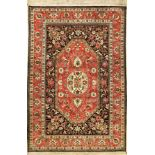 Seiden Ghom alt, Persien, ca. 40 Jahre, reine Naturseide, ca. 203 x 137 cm, dekoratives Muster, EHZ: