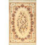 Feiner Esfahan (Lebensbaum), Persien, ca. 15 Jahre, Korkwolle mit und auf Seide, ca. 196x 130 cm,