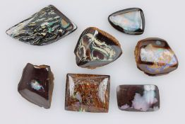 Konvolut 7 lose Opale, best. aus: 1 x Yowah-Nuss Opal, ca. 11.4 ct, 1 x Boulderopal, ca. 15.9 ct,