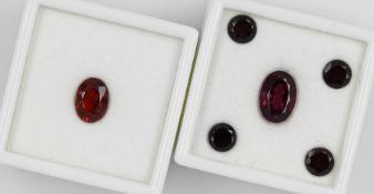 Lot lose Granate, best. aus: 1 x Hessonit Granat, ca. 3 ct, oval facett., 5 x Rhodolit Granate, zus.