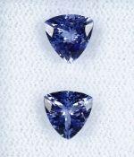 Lot Paar lose Tansanite, zus. 2.14 ct, triangelf. facett., Purplish Blue, Hitzebeh., Herkunft: