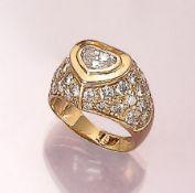 18 kt Gold Ring mit Diamant und Brillanten, GG 750/000, Diamant-Herz ca. 0.80 ct Weiß/vs, Brillanten