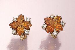 Paar 14 kt Gold Ohrstecker mit Citrinen und Brillanten, GG 585/000, 2 Citrine in Form einer Blüte