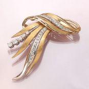 18 kt Gold TIFFANY & CO. Brosche mit Dia- manten, GG/WG 750/000, teilmatt., 5 Brillanten zus. ca.