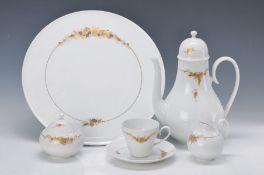 Kaffeeservice, Rosenthal, Romanze in Gold, Entwurf Björn Wiinblad, 1970er Jahre, Kaffeekanne,