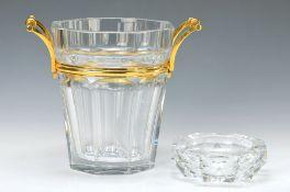 Champagnerkühler und Aschenbecher, Baccarat, Kristallglas, facettiert, am Boden mit Marke, ca. 23.