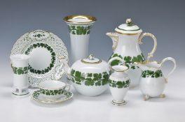 Umfangreiches Teeservice, Meissen, meist um 1890 bis 1960er J., für 12 Personen, voller grüner