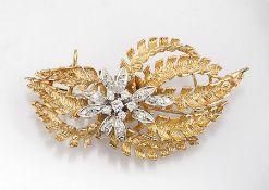 18 kt Gold LAUDIER Anhänger/Brosche mit Diamanten, GG/WG 750/000, Blütenform, 6 in WG gefasste