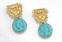 Paar 18 kt Gold Ohrgehänge mit Türkisen, GG 750/000, um 1860, rekonstruierte Türkiskameen,