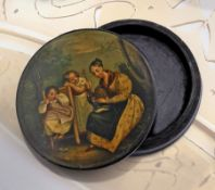 Lackdose, Frühbiedermeier, um 1800/10, wohl Stobwasser, Darst. einer Familie mit Mutter und 2