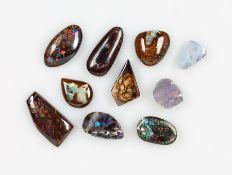 Konvolut 10 lose Opale, best. aus: 1 x dunkler Opal, ca. 4.1 ct, 1 x Yowah-Nuss Opal, ca. 10.2 ct, 1