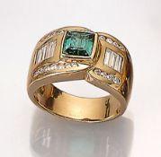 18 kt Gold Ring mit Turmalin und Diamanten, GG 750/000, mittig bes. mit einem facett. Turmalin ca.