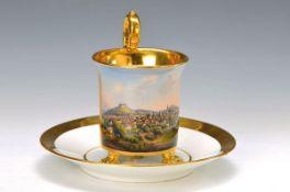 Tasse mit Untertasse, KPM Berlin, um 1810-20, breite Glanzgoldränder, auf drei Klauenfüßen