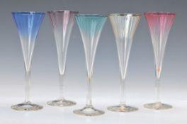 10 Sektgläser, Poschinger, 1930-1950er Jahre, Kuppen optisch geblasen und versch. farbig überfangen,