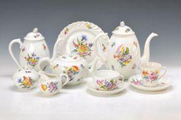 Kaffee- und Teeservice, Nymphenburg, 20. Jh., reliefierte Wandung, bunt bemalt mit Blumenbuketts und
