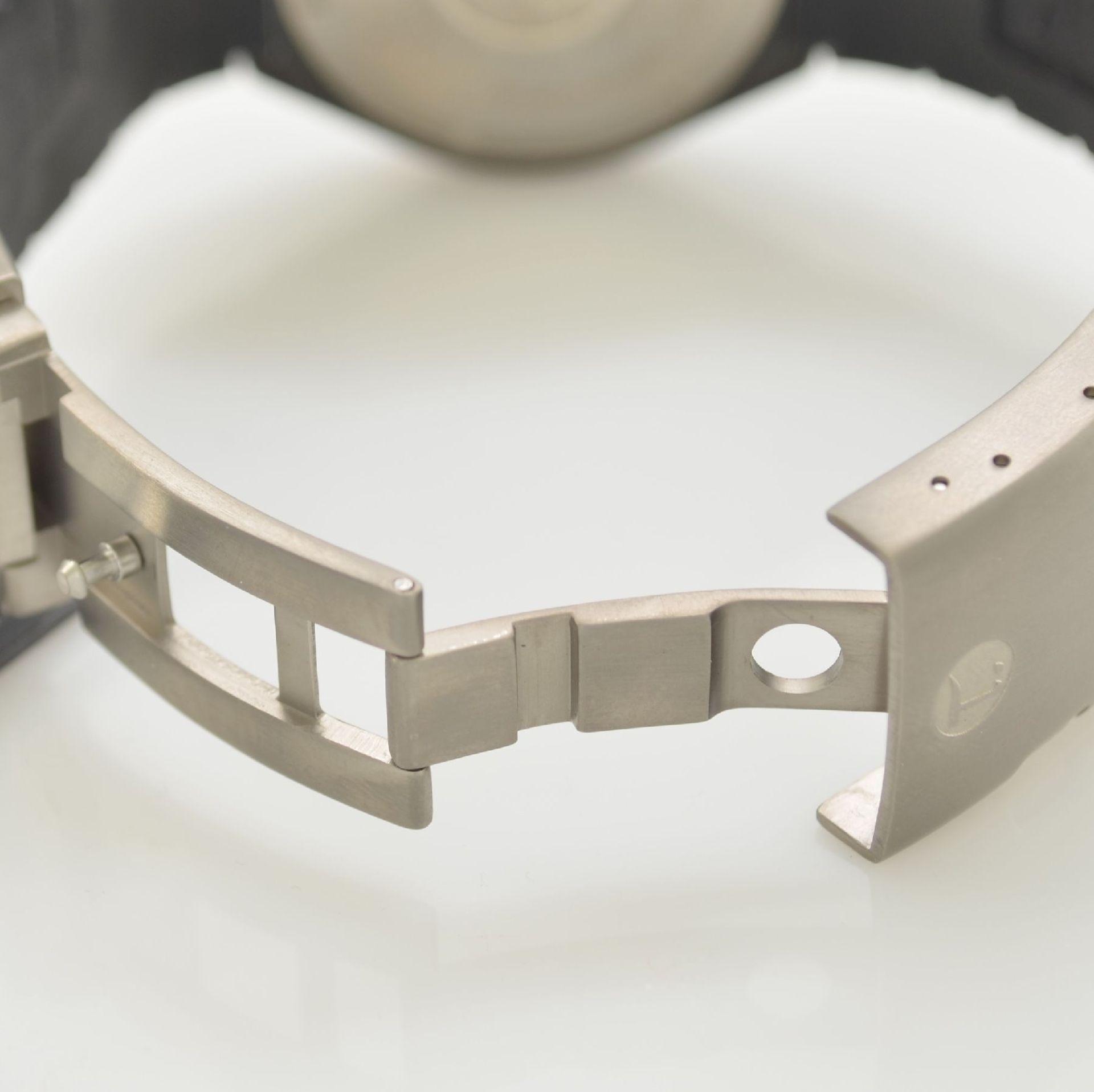 TUTIMA DI 300 Taucherarmbanduhr in Titan, Deutschland/Schweiz um 2010, Automatik, PVD- beschichtetes - Bild 8 aus 9