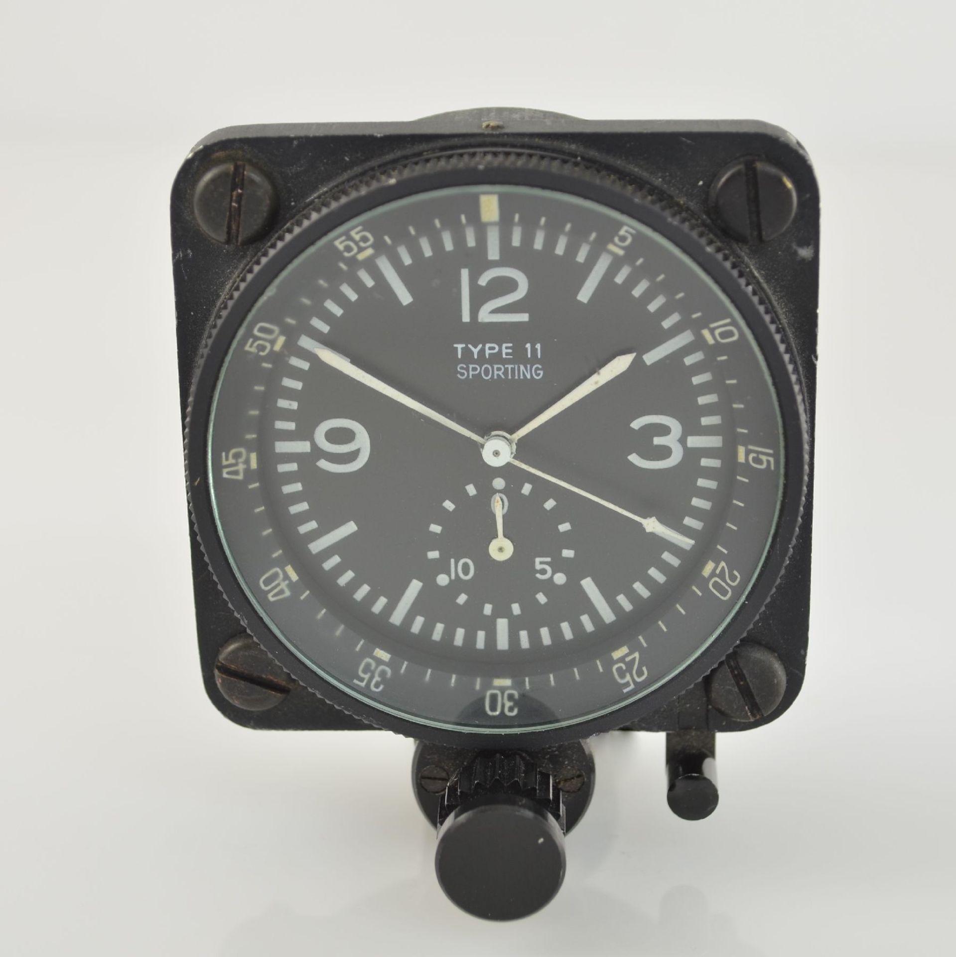 SPORTING TYPE 11 Borduhr mit Chronograph (Dashboard), Schweiz um 1970, geschwärztes Metallgeh.,
