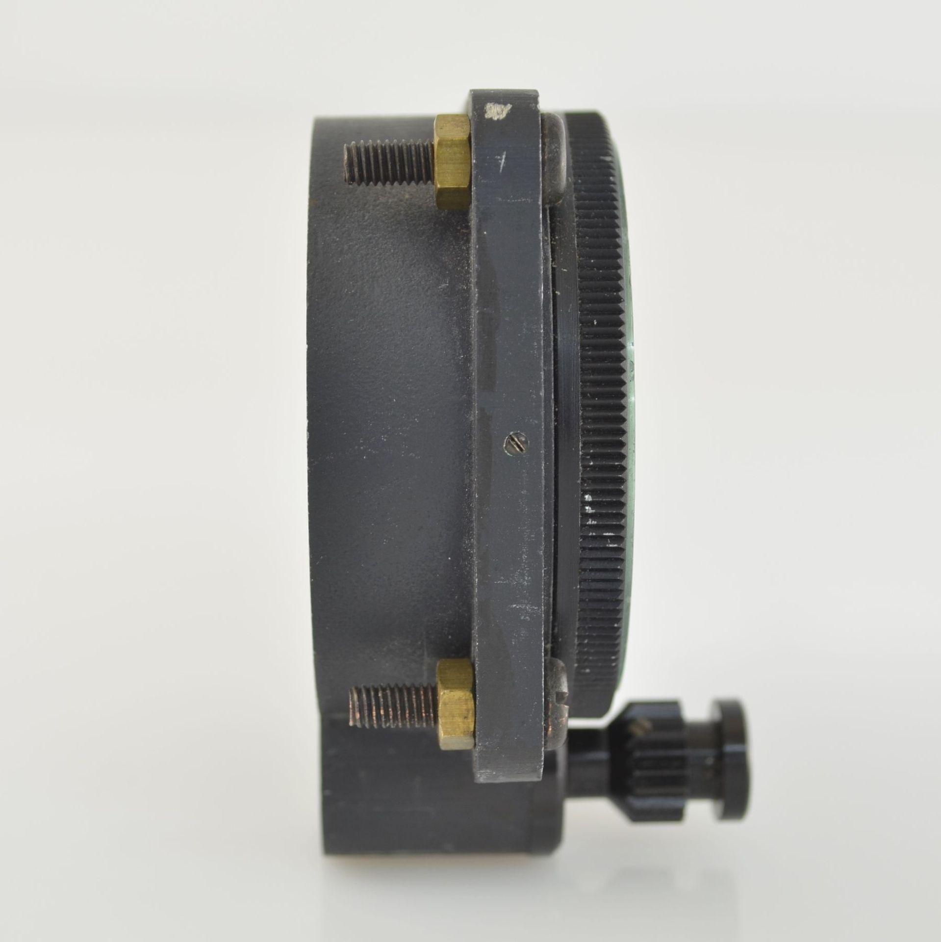 SPORTING TYPE 11 Borduhr mit Chronograph (Dashboard), Schweiz um 1970, geschwärztes Metallgeh., - Bild 3 aus 7