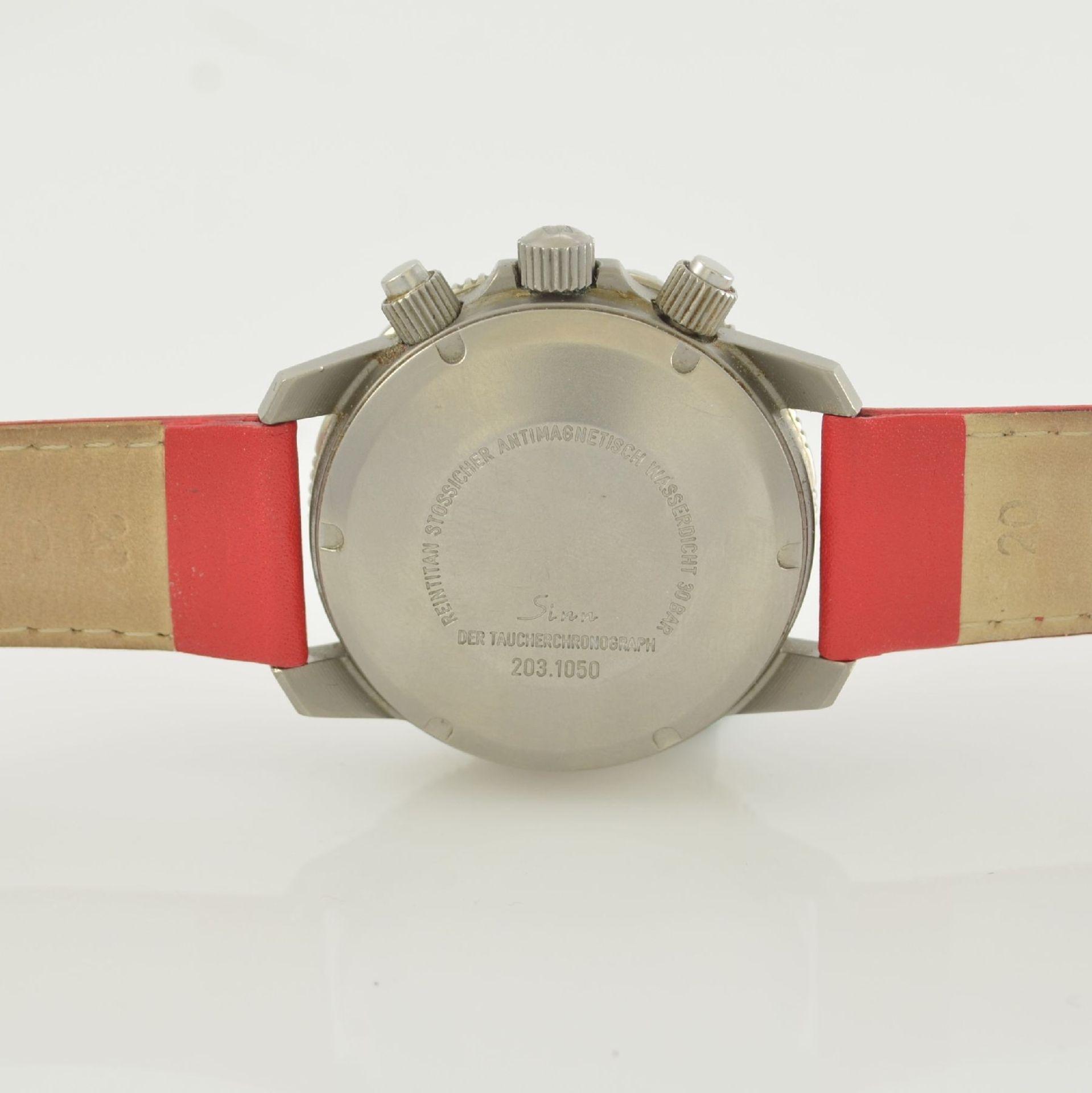 """SINN 203 Ar """"Der Taucherchronograph"""" in Reintitan, Schweiz um 2000, Automatik, mattiertes Geh. m. - Bild 6 aus 6"""