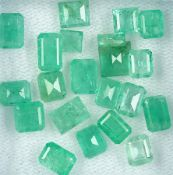 Lot lose Smaragde, zus. ca. 14.4 ct, Smaragdbaguettes in versch. Größen Schätzpreis: 1600, -