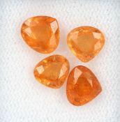Lot 4 lose Mandarin-Granate, zus. ca. 5.85 ct, tropfenf. facett. Schätzpreis: 1030, - EURLot 4 loose