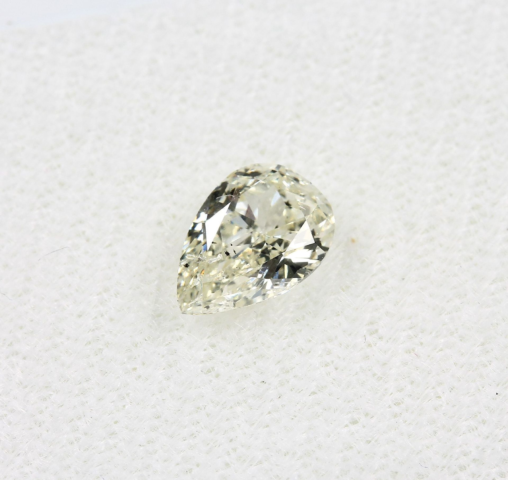 Loser Diamant, 1.02 ct get.Weiß (L)/p1, tropfenf. facett., mit HRD-Expertise Schätzpreis: 2565, - - Bild 2 aus 5