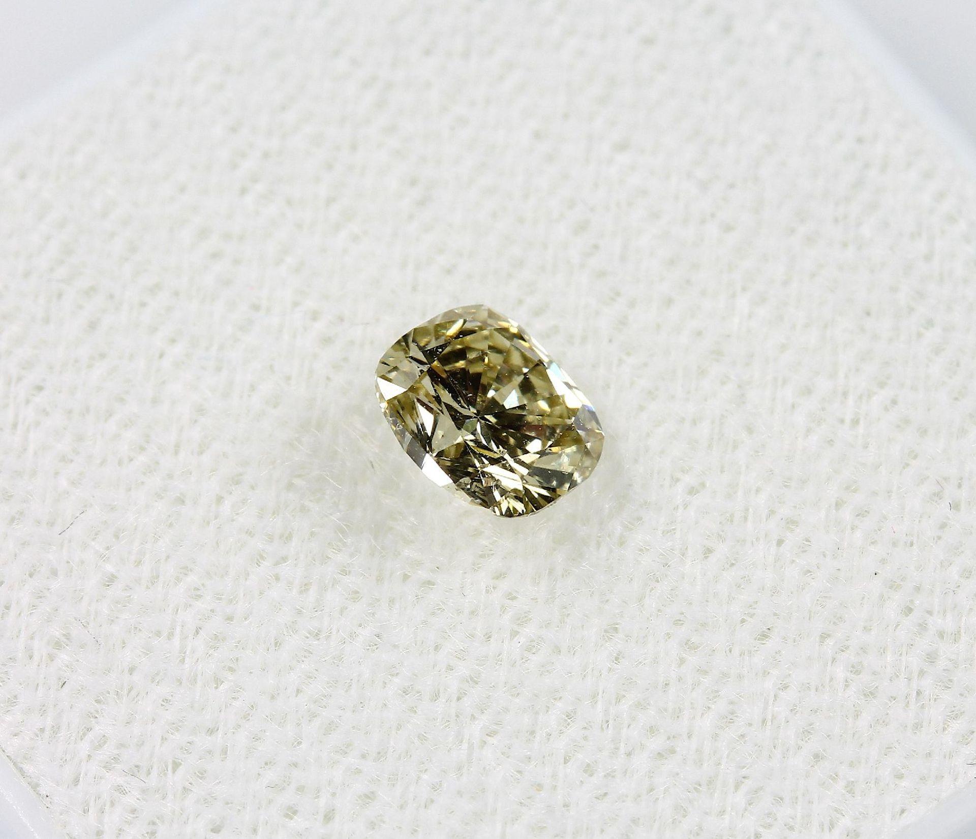 Loser Diamant, 0.55 ct Natural fancy Yellow/si2, Kissenschliff, mit GIA-Expertise Schätzpreis: 1823, - Bild 4 aus 5