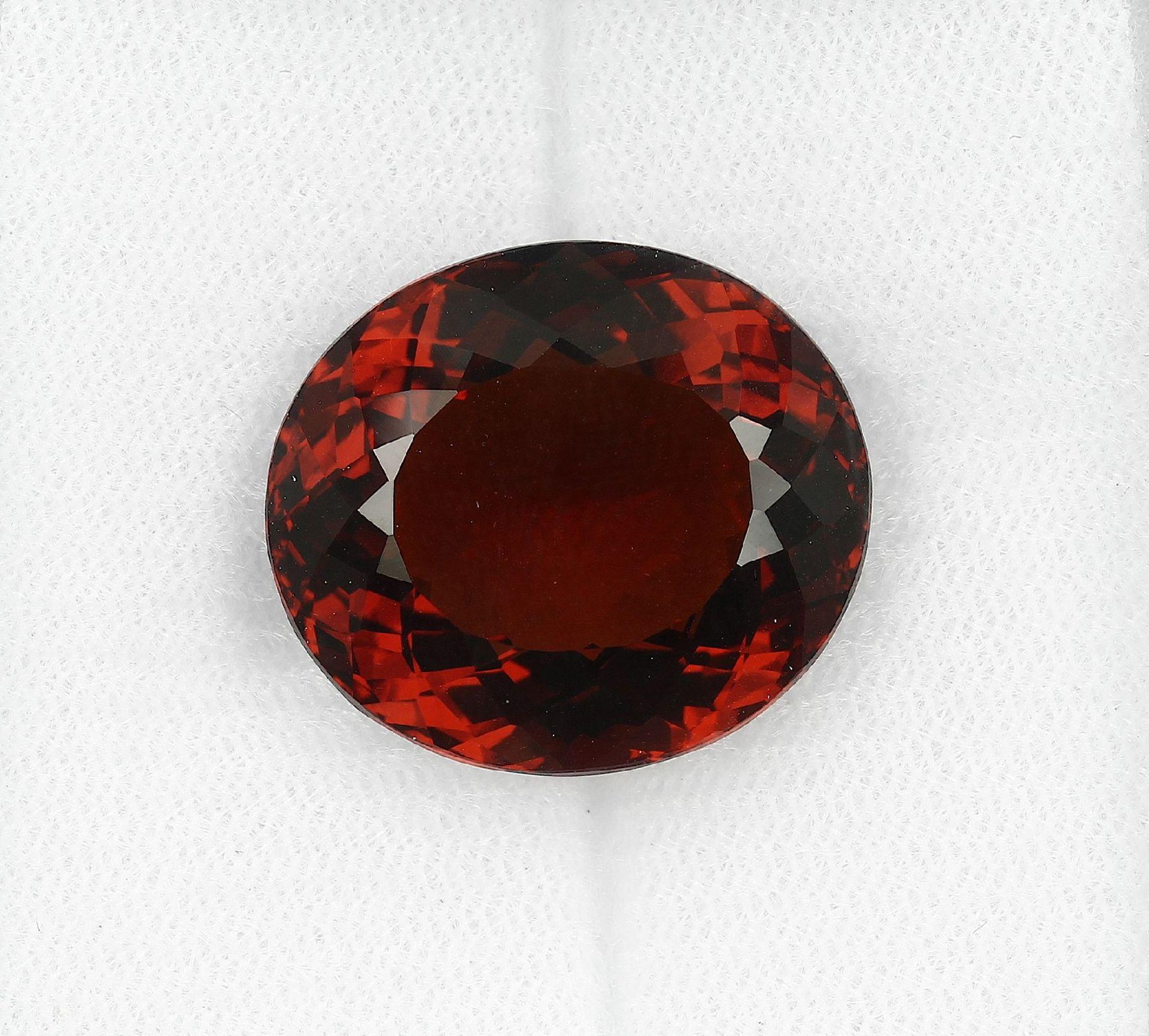 Loser Madeira Citrin, ca. 26.1 ct, ovalfacett., orangefarb. (beh.) Schätzpreis: 450, - EURLoose