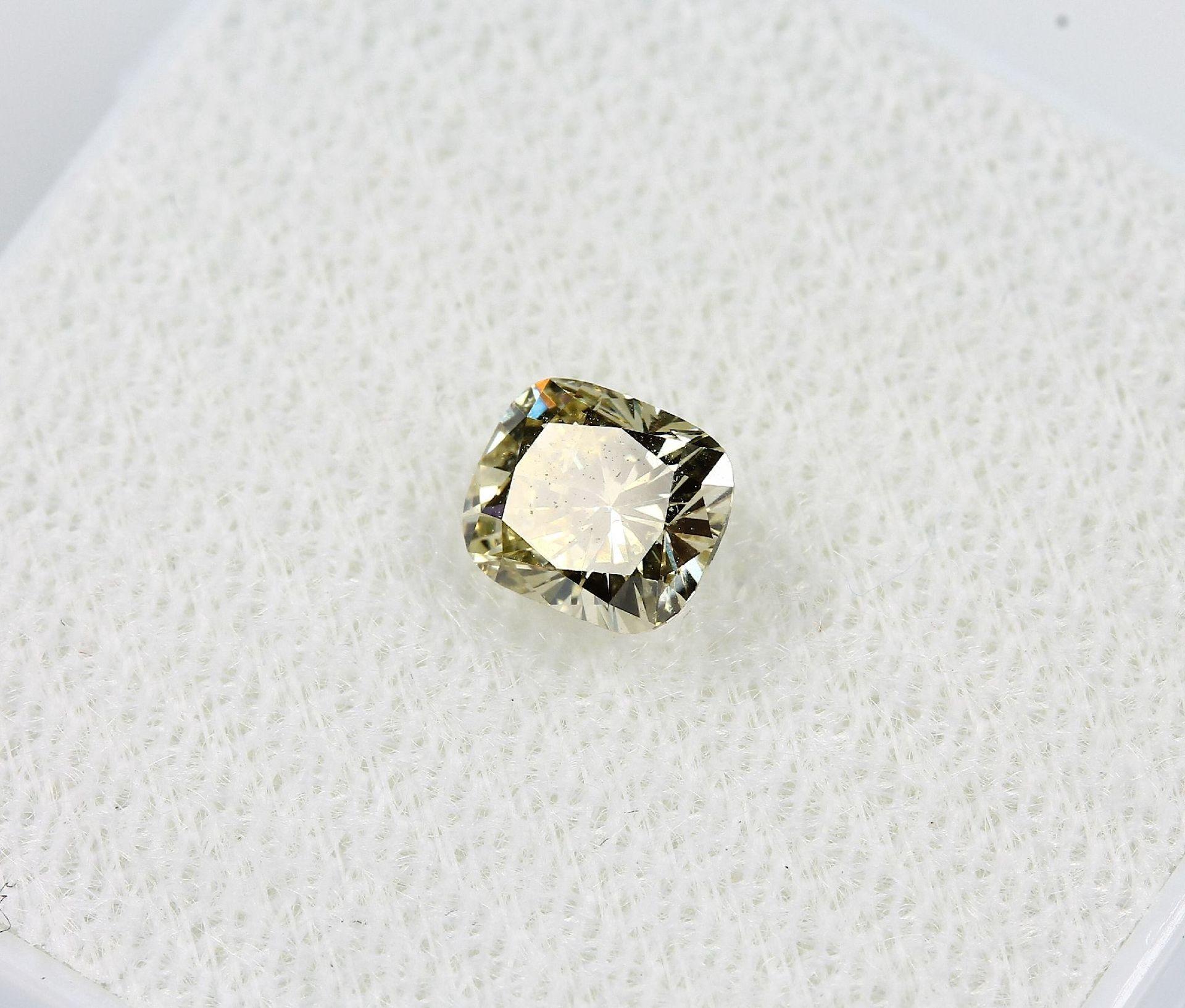 Loser Diamant, 0.55 ct Natural fancy Yellow/si2, Kissenschliff, mit GIA-Expertise Schätzpreis: 1823, - Bild 2 aus 5
