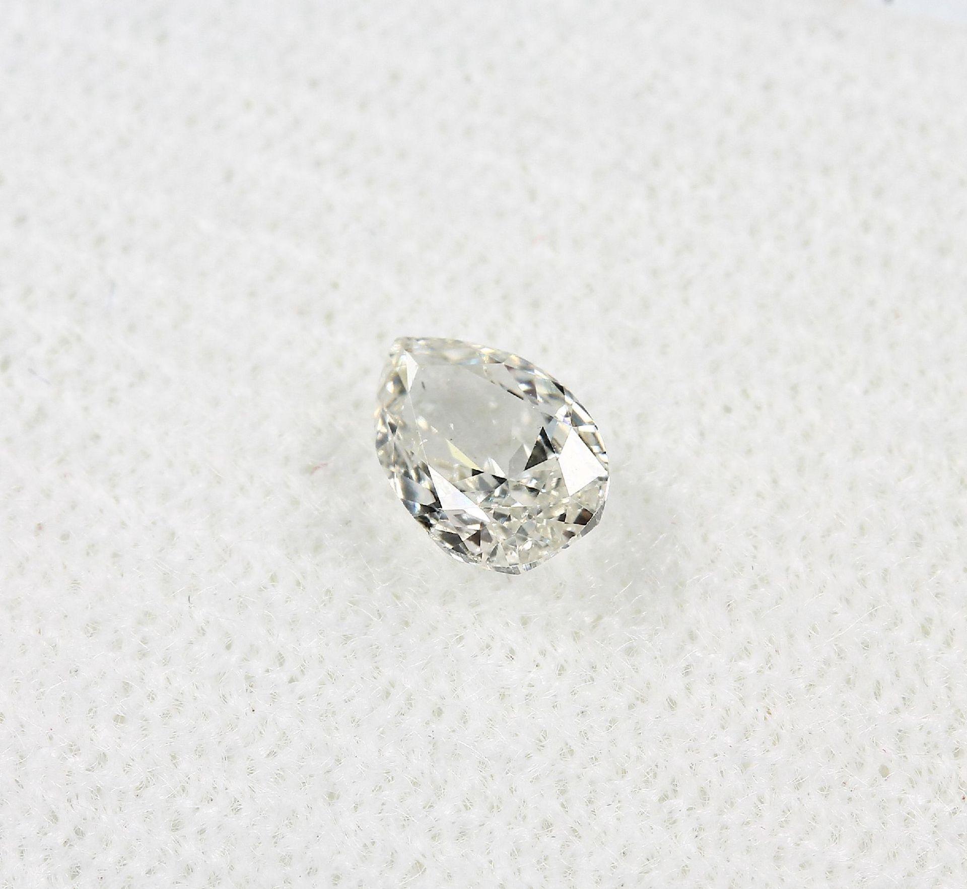 Loser Diamant, 0.51 ct l.get.Weiß+(I)/vvs2,tropfenf. facett., mit HRD-Expertise Schätzpreis: 1485, - - Bild 3 aus 5
