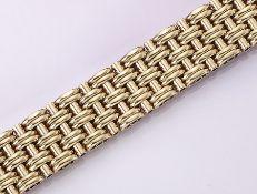 Breites 14 kt Gold Armband, ca. 59.8 g, GG 585/000, L. ca. 19.5 cm, Kastenschloß mit 2