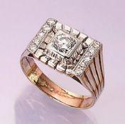 14 kt Gold Ring mit Diamanten, WG/GG 585/000, mittig Brillant ca. 0.70 ct Weiß/p2, 10 8/8-