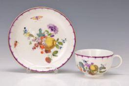 Tasse mit Untertasse, Meissen, um 1740-45, Porzellan, Untertasse verzogen, erstklassige Malerei
