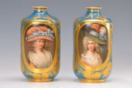 Paar Porträt Vasen , um 1900, signiert Franz Wagner, Wiener Porzellanmaler von 1894 - 1908, hier