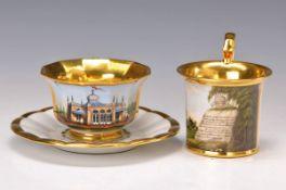 Zwei Tassen, Fürstenberg, 19. Jh., a. das neue Teehaus zu Wolfenbüttel mit Untertasse H. 7cm,