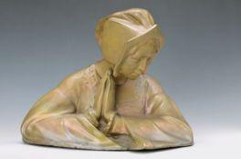 Büste, Charles-Henri de Langlade, um 1900, Betende Frau, Fayence mit Lüsterglasur, signiert, H.
